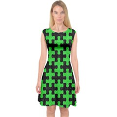 Puzzle1 Black Marble & Green Colored Pencil Capsleeve Midi Dress