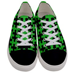 Puzzle1 Black Marble & Green Colored Pencil Women s Low Top Canvas Sneakers