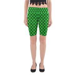 Scales1 Black Marble & Green Colored Pencil (r) Yoga Cropped Leggings