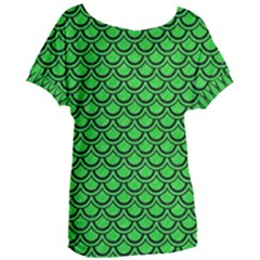 Scales2 Black Marble & Green Colored Pencil (r) Women s Oversized Tee