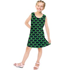 Scales3 Black Marble & Green Colored Pencil Kids  Tunic Dress