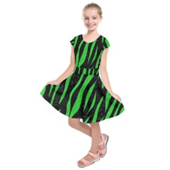 Skin3 Black Marble & Green Colored Pencil Kids  Short Sleeve Dress