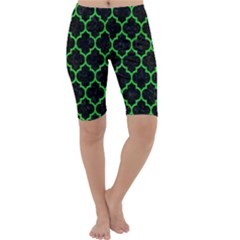 Tile1 Black Marble & Green Colored Pencil Cropped Leggings