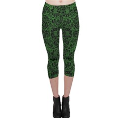 Damask2 Black Marble & Green Leather (r) Capri Leggings
