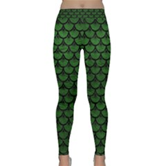 Scales3 Black Marble & Green Leather (r) Classic Yoga Leggings