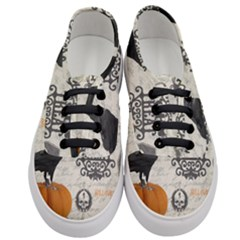 Vintage Halloween Women s Classic Low Top Sneakers