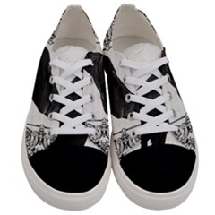 Vintage Halloween Raven Women s Low Top Canvas Sneakers