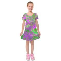 Amazing Neon Flowers A Kids  Short Sleeve Velvet Dress