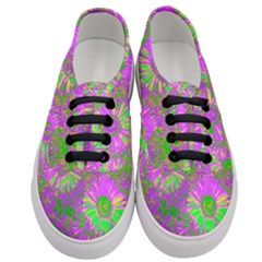 Amazing Neon Flowers A Women s Classic Low Top Sneakers