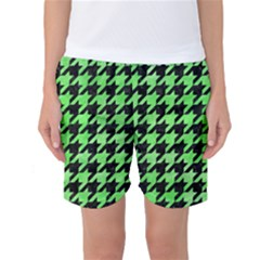 Houndstooth1 Black Marble & Green Watercolor Women s Basketball Shorts