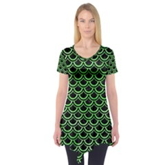 Scales2 Black Marble & Green Watercolor Short Sleeve Tunic