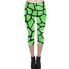 Skin1 Black Marble & Green Watercolor Capri Leggings