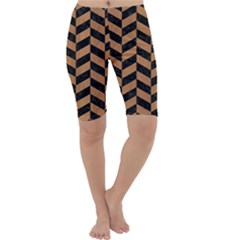 Chevron1 Black Marble & Light Maple Wood Cropped Leggings