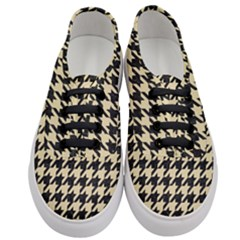 Houndstooth1 Black Marble & Light Sand Women s Classic Low Top Sneakers