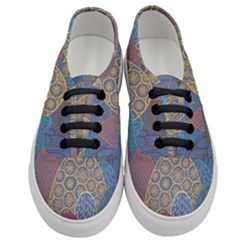 Abstract Nature 13 Women s Classic Low Top Sneakers