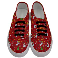 Christmas Pattern Men s Classic Low Top Sneakers