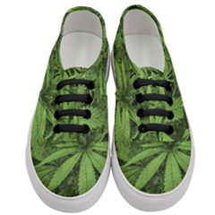 Marijuana Plants Pattern Women s Classic Low Top Sneakers