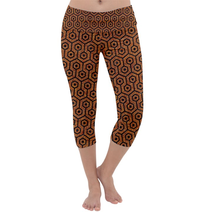 HEXAGON1 BLACK MARBLE & RUSTED METAL Capri Yoga Leggings