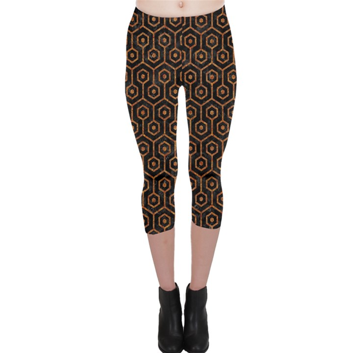 HEXAGON1 BLACK MARBLE & RUSTED METAL (R) Capri Leggings