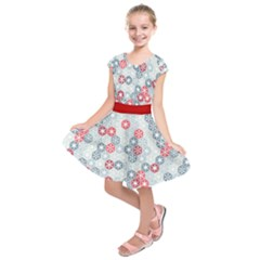Powder Blue Snowfalls Pattern Kids  Short Sleeve Dress