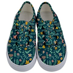 Cute Doodle Flowers 10 Kids  Classic Low Top Sneakers