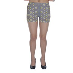 Star Fall Of Fantasy Flowers On Pearl Lace Skinny Shorts