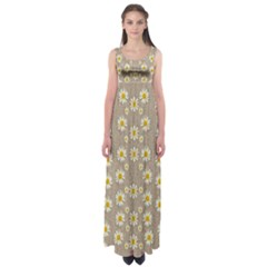 Star Fall Of Fantasy Flowers On Pearl Lace Empire Waist Maxi Dress