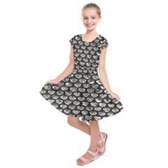 Scales3 Black Marble & Silver Foil Kids  Short Sleeve Dress