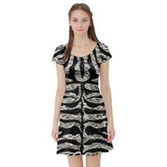 Skin2 Black Marble & Silver Foil Short Sleeve Skater Dress
