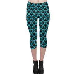 Scales2 Black Marble & Turquoise Colored Pencil (r) Capri Leggings