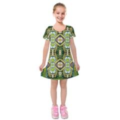 Bread Sticks And Fantasy Flowers In A Rainbow Kids  Short Sleeve Velvet Dress