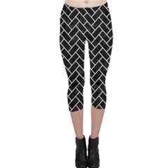 Brick2 Black Marble & White Linen (r) Capri Leggings