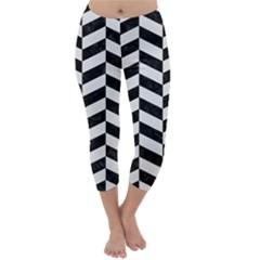 Chevron1 Black Marble & White Linen Capri Winter Leggings