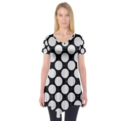 Circles2 Black Marble & White Linen (r) Short Sleeve Tunic
