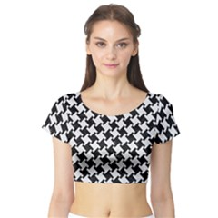Houndstooth2 Black Marble & White Linen Short Sleeve Crop Top