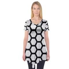 Hexagon2 Black Marble & White Linen Short Sleeve Tunic