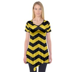 Chevron3 Black Marble & Yellow Colored Pencil Short Sleeve Tunic