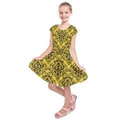 Damask1 Black Marble & Yellow Colored Pencil Kids  Short Sleeve Dress