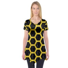 Hexagon2 Black Marble & Yellow Colored Pencil (r) Short Sleeve Tunic
