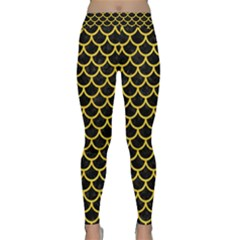 Scales1 Black Marble & Yellow Colored Pencil (r) Classic Yoga Leggings