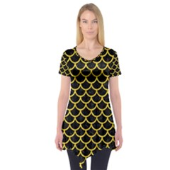 Scales1 Black Marble & Yellow Colored Pencil (r) Short Sleeve Tunic