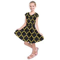 Tile1 Black Marble & Yellow Colored Pencil (r) Kids  Short Sleeve Dress