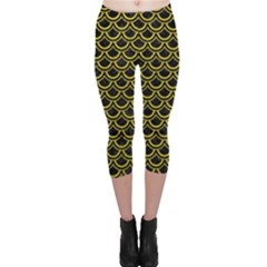 Scales2 Black Marble & Yellow Leather (r) Capri Leggings