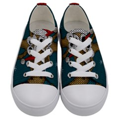 Christmas Giraffe  Kids  Low Top Canvas Sneakers