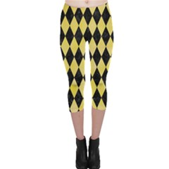 Diamond1 Black Marble & Yellow Watercolor Capri Leggings