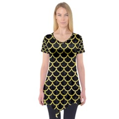 Scales1 Black Marble & Yellow Watercolor (r) Short Sleeve Tunic