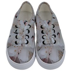 Floral Design White Flowers Photography Kids  Classic Low Top Sneakers