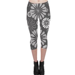 Floral Pattern Floral Background Capri Leggings