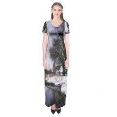 Winter Bach Wintry Snow Water Short Sleeve Maxi Dress