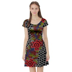 Aboriginal Art   Meeting Places Short Sleeve Skater Dress